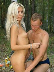 Порно раздела «На природе и в лесу»