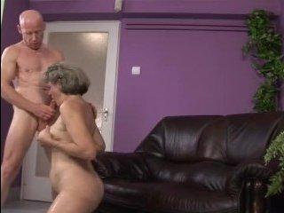 Отличное порно очень старых женщин закончилось спермой у бабушки ...