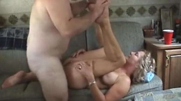 то, настоящее порно лесбиянок это очевидно