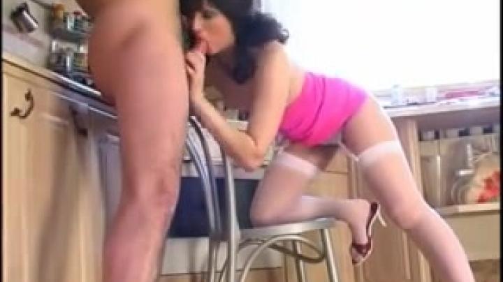 как всегда приятно жена мастурбирует ванной кажется это